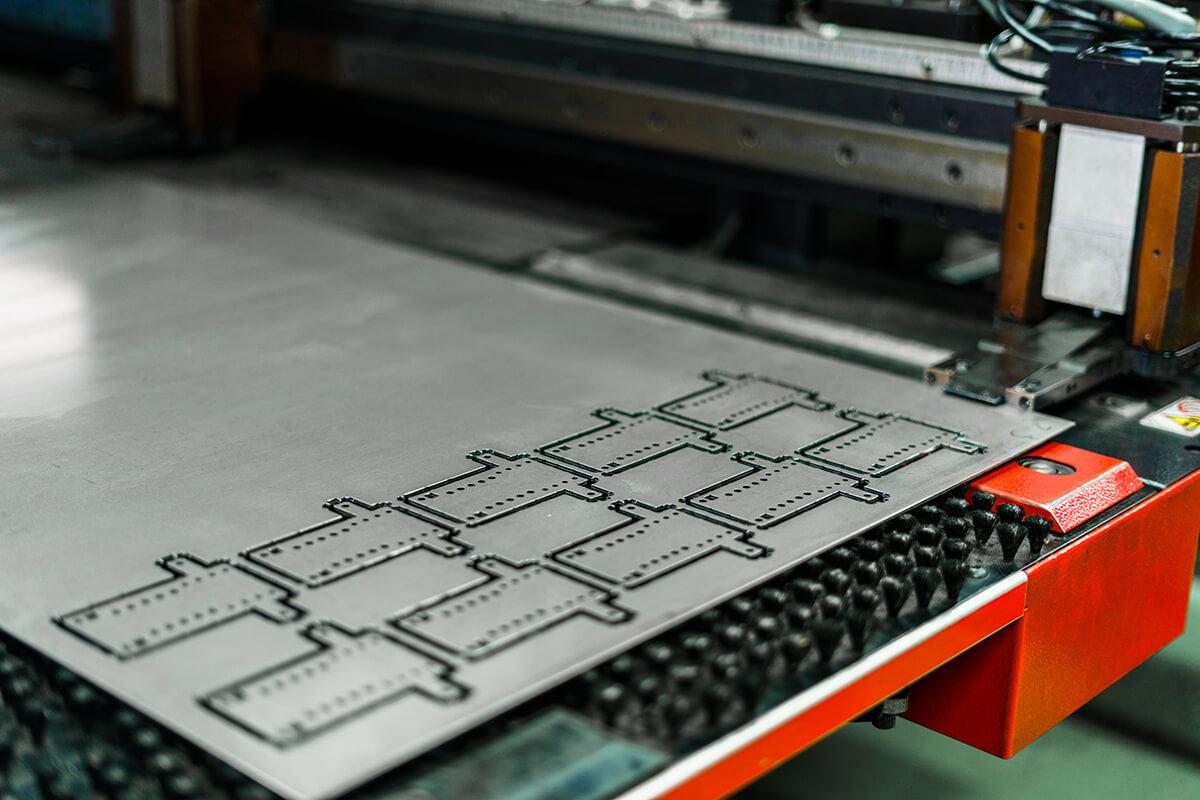 ねじ穴加工するアルミ板